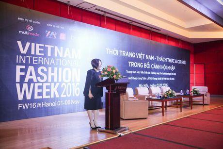 Doanh nhan Viet Nam hoi ngo tai Vietnam International Fashion Week Thu Dong - Anh 2