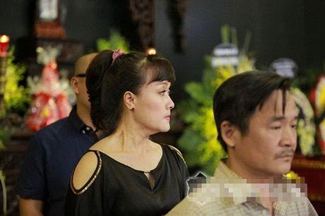 Nuoc mat nhung 'co vo ho' trong tang le nghe si Pham Bang - Anh 4