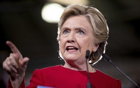 Bo Ngoai giao My cong bo them gan 1.300 email cua ba Clinton - Anh 1
