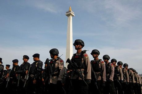 Hinh anh bieu tinh co the dan den nguy co bao loan o Jakarta - Anh 10