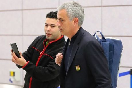 Chum anh: Mourinho nhu 'nguoi vo hon' sau tham bai truoc Fenerbahce - Anh 2