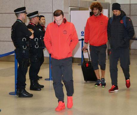 Chum anh: Mourinho nhu 'nguoi vo hon' sau tham bai truoc Fenerbahce - Anh 3