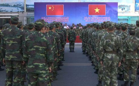 Dien tap phong chong khung bo o bien gioi Viet - Trung - Anh 1
