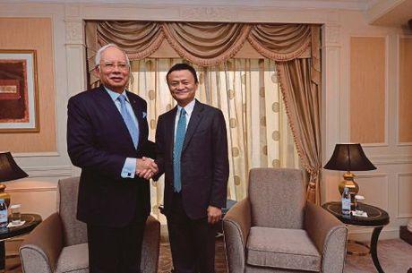 Ty phu Jack Ma lam co van thuong mai dien tu cho chinh phu Malaysia - Anh 1