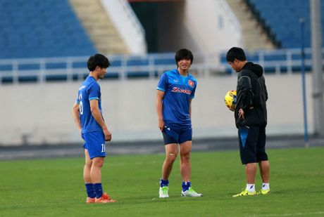 Cong Phuong so phai du bi tai AFF Cup 2016 - Anh 1