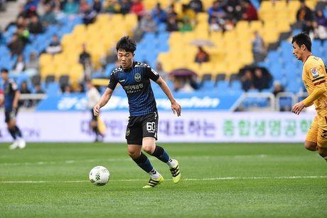 Incheon United tru hang, Xuan Truong tho phao nhe nhom - Anh 1