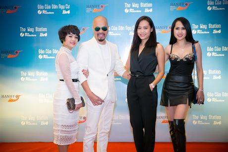 Minh Thu 'Gai nhay' qua goi cam ben Hong Anh - Anh 3