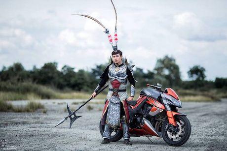 Lu Bo cuoi 'ngua xich tho' Kawasaki Z1000 tai Viet Nam - Anh 1
