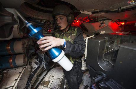 Nang cap xe tang Challenger 2, nguoi Anh biet so T-14 Armata - Anh 6