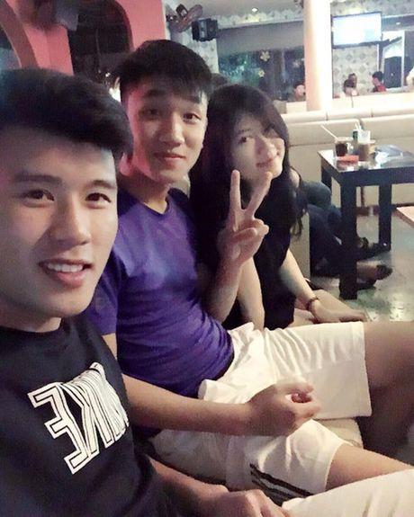 Ca si Huong Giang Idol to tinh voi 'hot boy' doi U.19 Viet Nam Trong Dai - Anh 6