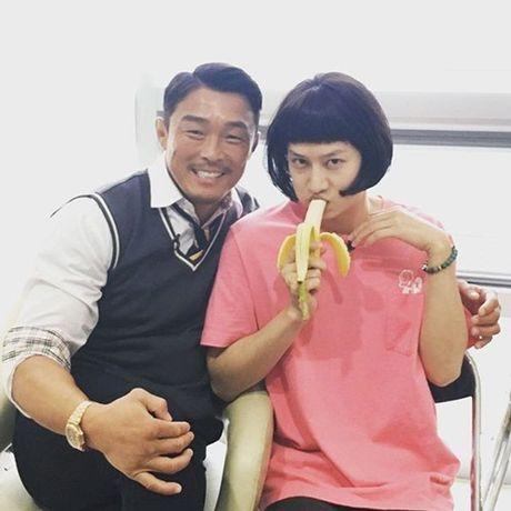 Sao Han 5/11: G-Dragon de mat moc lo da san, Hyo Min xinh nhu nu than - Anh 3