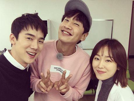 Sao Han 5/11: G-Dragon de mat moc lo da san, Hyo Min xinh nhu nu than - Anh 8