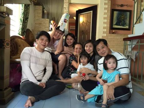 Nhan sac xinh dep va gia the 'khung' cua ban gai con nuoi Hoai Linh - Anh 3