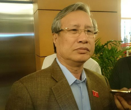 Chu nhiem UBKTTU noi ve viec ky luat ong Vu Huy Hoang - Anh 1