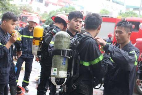 Hinh anh binh di cua nhung nguoi linh cuu hoa qua cam trong vu chay quan karaoke 68 - Anh 4