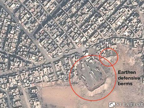 Lo anh ve tinh phong tuyen cua IS o Mosul - Anh 1