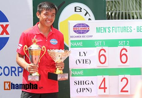 Vang doi: Hoang Nam vo dich tennis doi nam F9 Viet Nam - Anh 2