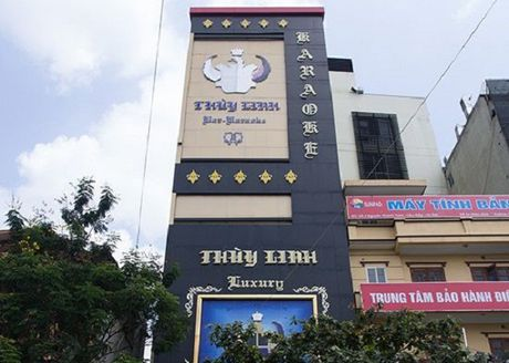 Karaoke Thuy Linh va Vu Hai bi phat vi khong chap hanh lenh cam cua quan Cau Giay - Anh 1