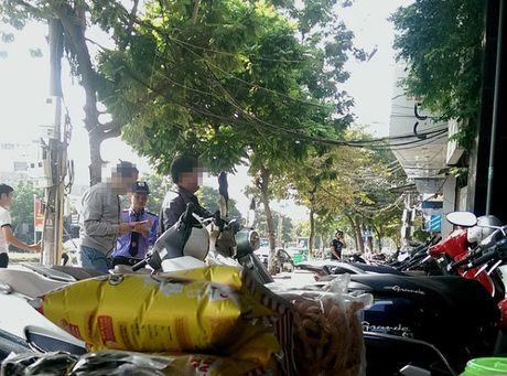 Karaoke Thuy Linh va Vu Hai bi phat vi khong chap hanh lenh cam cua quan Cau Giay - Anh 2