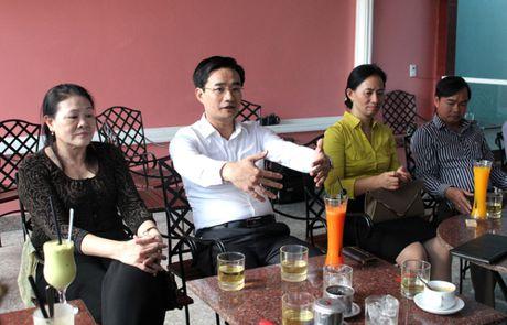 Quang Ninh: Chu tich TP Uong Bi hang thang se moi doanh nghiep uong ca phe - Anh 1