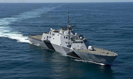 Tau chien USS Montgomery loi hai hang dau My lai gap su co - Anh 2