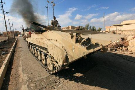18 nguoi bi sat hai tren duong chay khoi chien truong Mosul - Anh 1