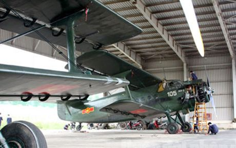 Nga phu nhan tin nang cap may bay An-2 cua Viet Nam - Anh 2