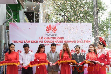 Huawei khai truong trung tam dich vu khach hang dau tien tai Viet Nam - Anh 2