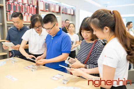 Huawei khai truong trung tam dich vu khach hang dau tien tai Viet Nam - Anh 9