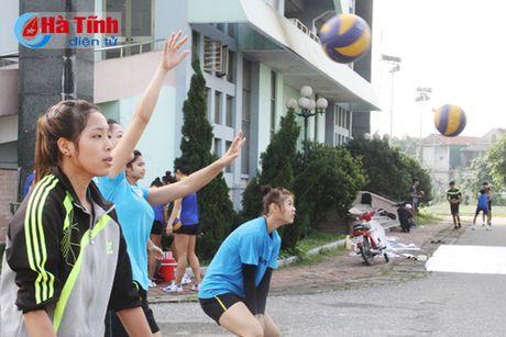 San sang tranh tai Giai Bong chuyen tre Cup cac CLB toan quoc - Anh 12