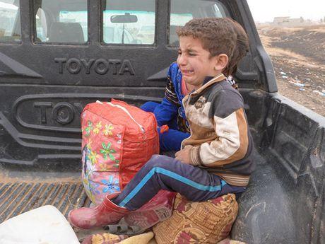 May bay My bi to tan cong phai tre em o Mosul - Anh 1