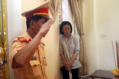 Benh nhi uoc mo lam canh sat truyen cam hung cho cong dong - Anh 3