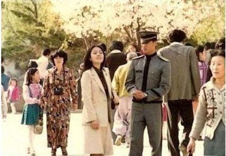 Dan mang Han tam tac khen than mau T.O.P (Big Bang) sanh dieu, phong cach - Anh 11