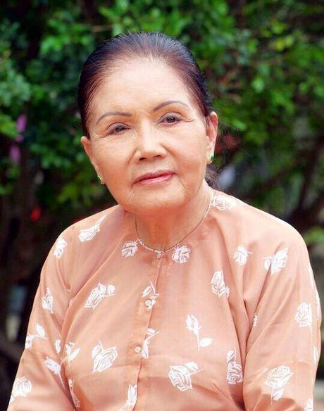 Thanh Loc than tho, Thoai My bat khoc khi toi vieng 'sau nu' Ut Bach Lan - Anh 1