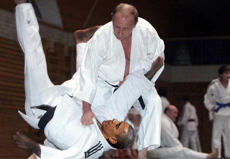 Ong Putin 'danh phu dau' voi don Judo dia chinh tri - Anh 1
