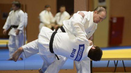 Ong Putin 'danh phu dau' voi don Judo dia chinh tri - Anh 2