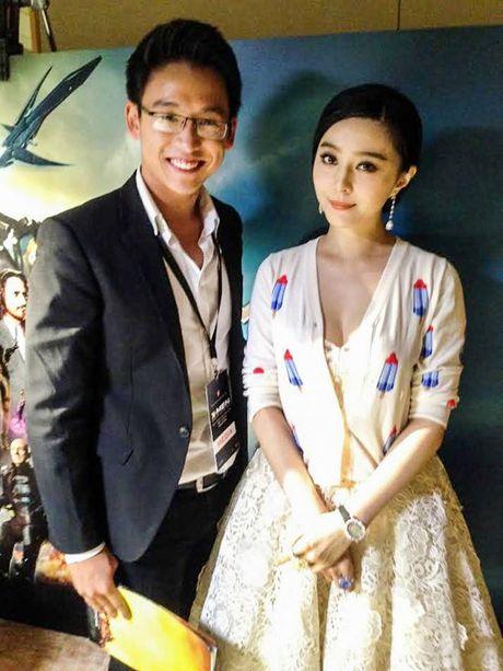 MC Quang Bao sang Han Quoc giao luu cung doan phim 'Hau due mat troi' - Anh 3