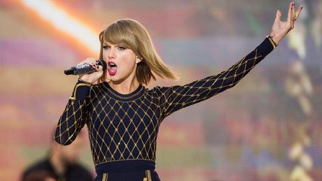 Taylor Swift bat ngo duoc Calvin Harris khen ngoi - Anh 1