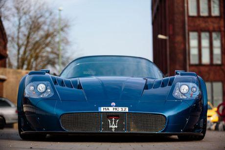 Do Maserati MC12 1,8 trieu USD thanh sieu xe duong pho - Anh 5