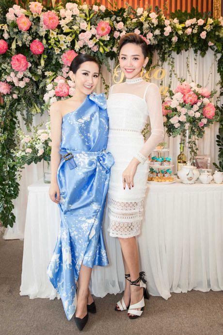 Hoa hau Ky Duyen, Toc Tien do dang o su kien - Anh 6