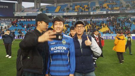 Xuan Truong va CDV tran xuong san mung Incheon tru hang - Anh 5