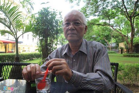 NSUT Duy Thanh ve nha dieu tri vi benh ung thu dien bien xau - Anh 1