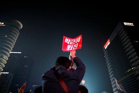 Hang van nguoi do ve Seoul doi tong thong tu chuc - Anh 5