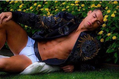 'Ronaldo mo mang ben bui hoa' thanh de tai che anh - Anh 1