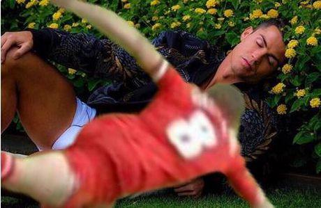 'Ronaldo mo mang ben bui hoa' thanh de tai che anh - Anh 4