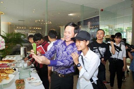 Cuoc doi Hoai Linh chua bao gio biet ninh hot ai - Anh 2