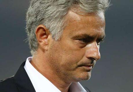 Gian ca chem thot, Mourinho sap thanh ly gan 1 doi hinh - Anh 1