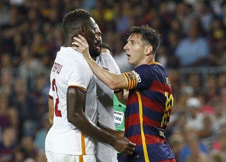Lionel Messi va 9 khoanh khac 'thieu kiem che' - Anh 3