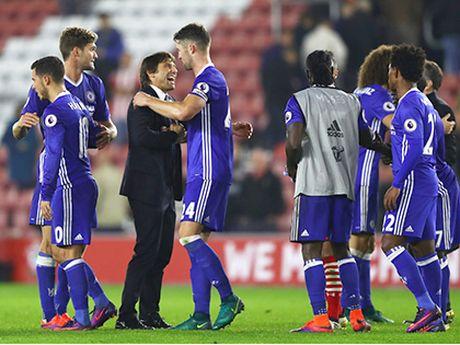 Premier League: So do 3 hau ve dang quay tro lai - Anh 4