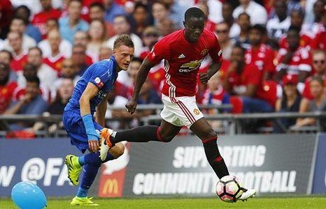 CAP NHAT tin toi 5/11: Mourinho van bao ve Ibra. Sanchez va Oezil cung dang the gioi nhu Aguero - Anh 4